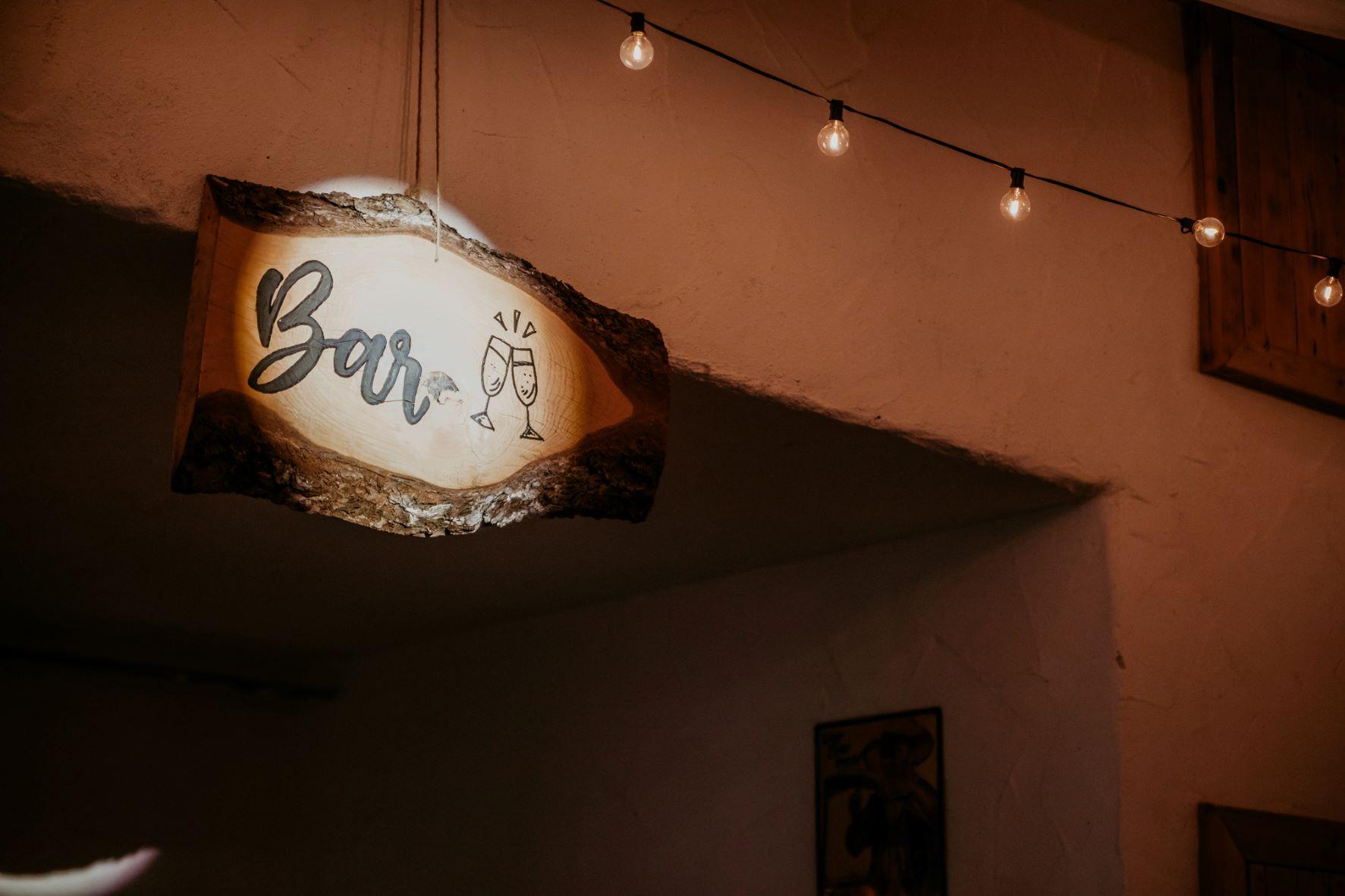 Beschilderung Veranstaltung, Vintage, Holzschwarte, Bar, Aalen, Ostalbkreis